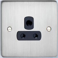 DETA Flat Plate 5Amp Socket Satin Chrome with Black Insert | LV0201.0170