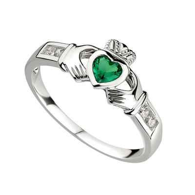 SILVER CLADDAGH EMERALD RING