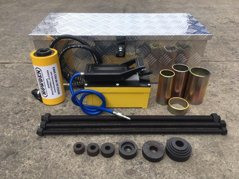 Bush Removal Kit c/w 20T Volmac Air Foot Pump