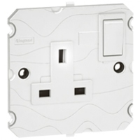 Arteor 5Amp Socket (Switched) - White  | LV0501.0012
