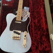Guitarra FENDER TELECASTER LTD ED SELECT LITE ASH