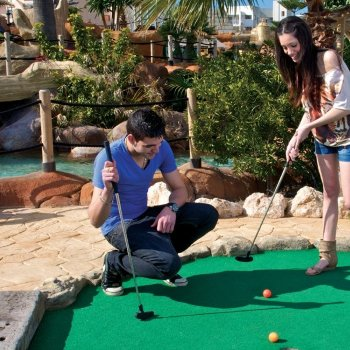 Crazy Golf 90 hoyos