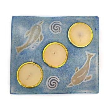 Base portavelas de cerámica en forma cuadrada