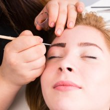 Tratamiento Diseño cejas + tinte pestañas y cejas