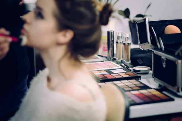 what to expect from makeup artist on wedding day makeup