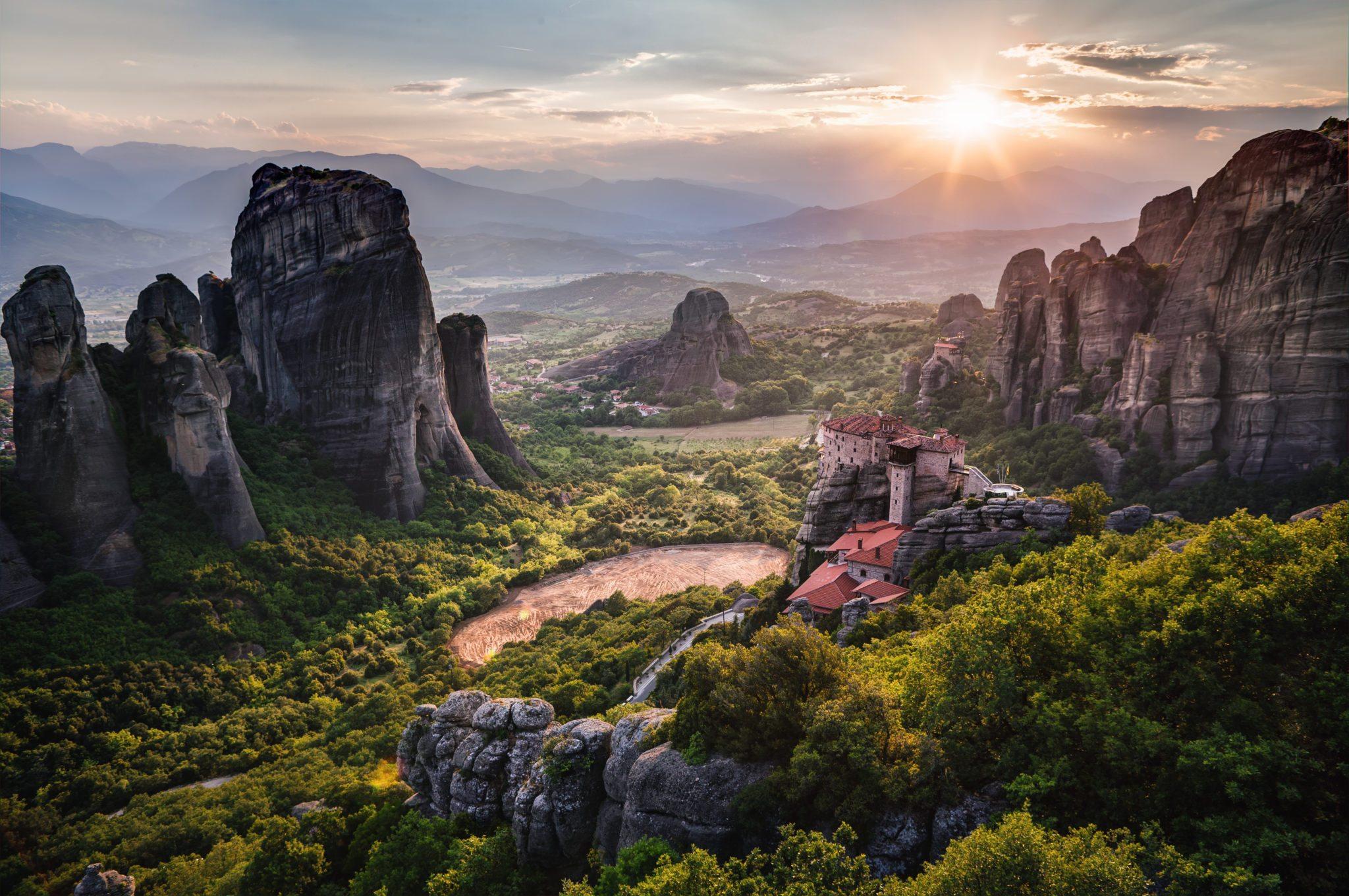 Meteora monestary mountainview greece