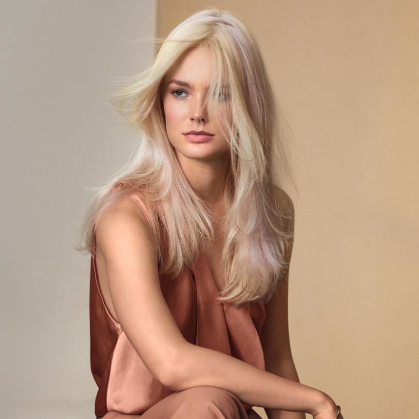 Wella Professionals Blondes Facebook post #1