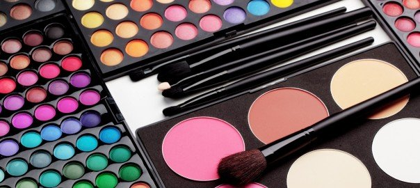 Make-Up-Accessories-Photos-604x270.jpg