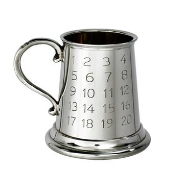 Pewter Tutor quarter pint baby Mug