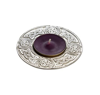 Round celtic cast pewter t-lite candle holder