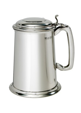 Lidded  1 pint Pewter Tankard
