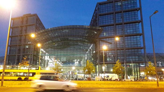 Berlin Hauptbahnhof dunkel