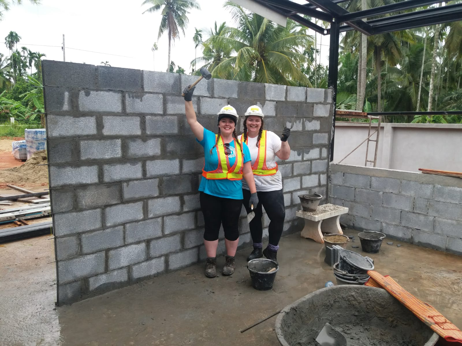 AECOM woman manager volunteering Thailand