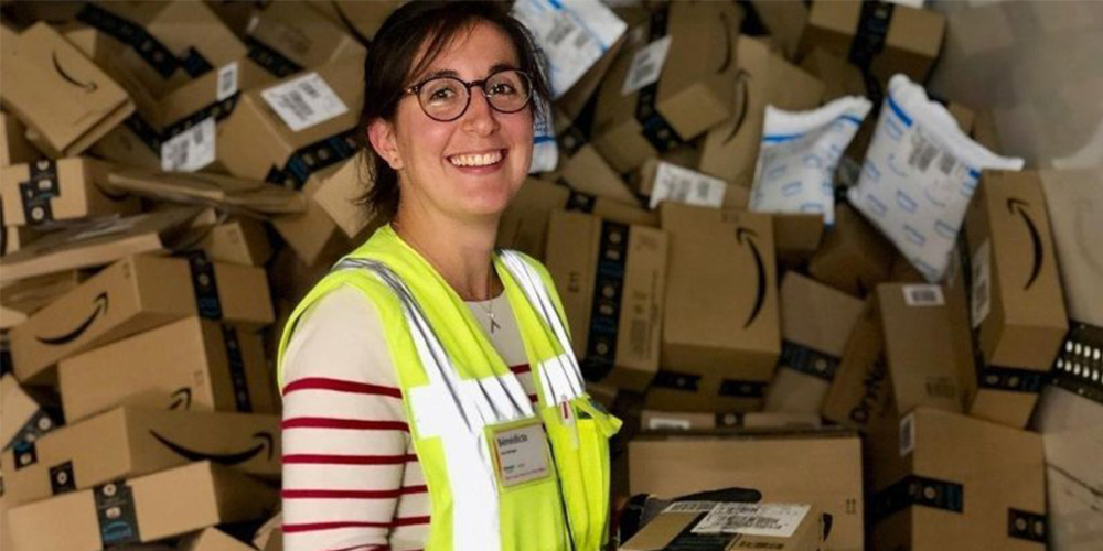 Amazon creates 100,000 new jobs with a pay increase globally