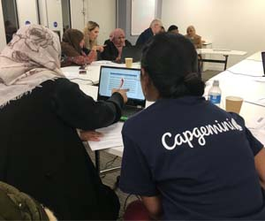 Capgemini employees volunteer to help foster digital inclusion