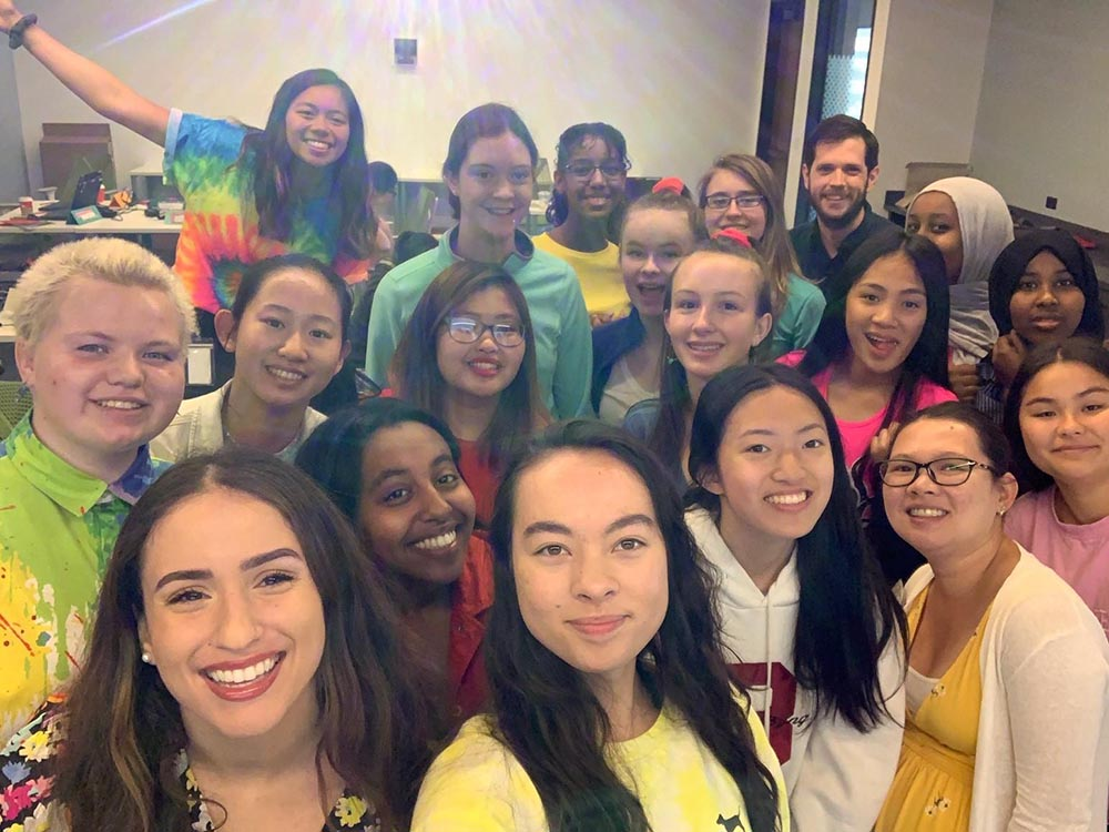 F5 Networks inspires young women through Girls Who Code
