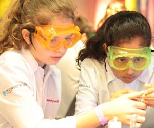 Honeywell STEM pupils future lab