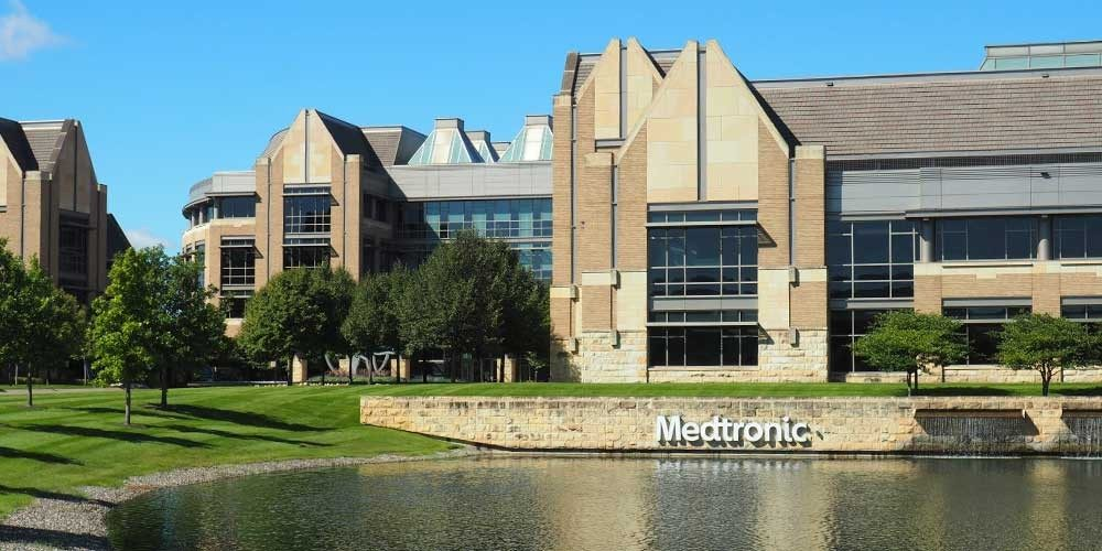Women in top leadership roles at Medtronic