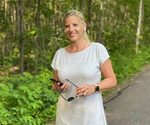 Medtronic VP Sheri Lewis shares positive lifestyle changes