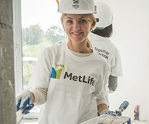 MetLife employees volunteer time to impact community projects