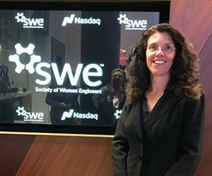 Renee Eddy rings opening bell at SWE event