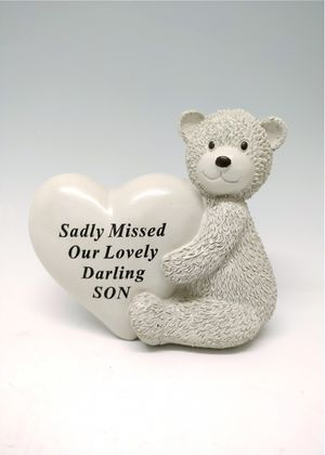 Fischhoff Little Boy Memorial Bear Heart DF17121