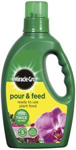 SCOTTS Miracle Gro Pour and Feed 3L 839690