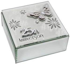 butterfly-anniversary-square-box-25th-ref-60340.jpg
