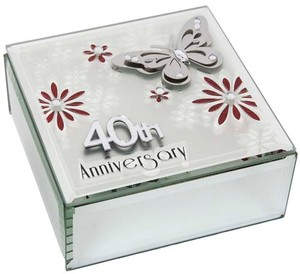 butterfly-anniversary-square-box-40th-ref-60341.jpg