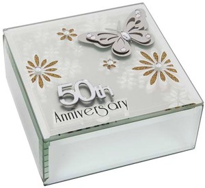 butterfly-anniversary-square-box-50th-ref-60342.jpg
