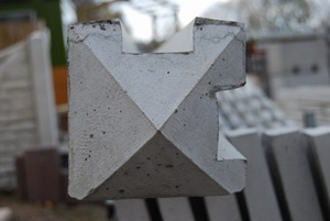 concrete-slotted-corner-post-7-9-ref-pstc2325.jpg