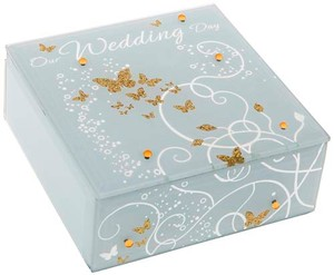 golden-bfly-wedd-box-square-55084.jpg