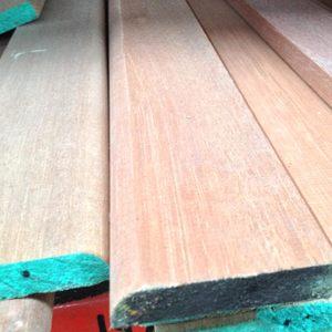 hardwood-19x100mm-pencil-round-chamfered-skirting.jpg
