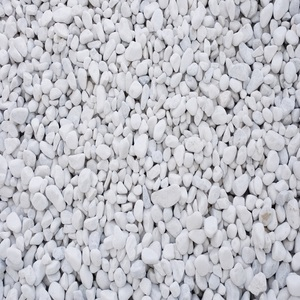 long-rake-spar-white-pebbles-20-40mm-decorative-aggregate-bulk-bag.jpg