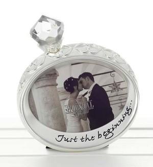 lovers-engagement-ring-frame-ref-60205.jpg