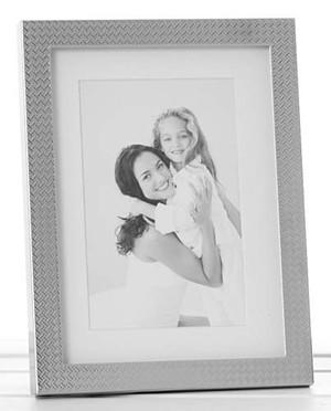 polished-zig-zag-photo-frame-6x8-28768.jpg
