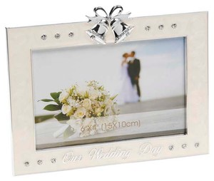 silver-cream-wedding-day-frame-6x4-30971.jpg