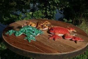 tripod-large-sand-frog-asst-colours.jpg