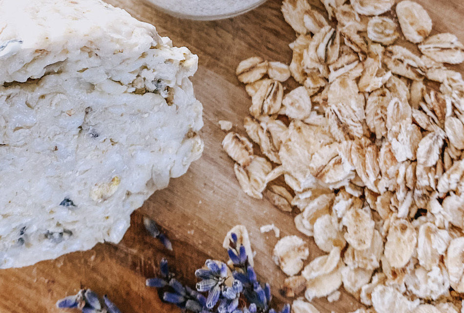 Lavender And Oatmeal Scrubby Soap