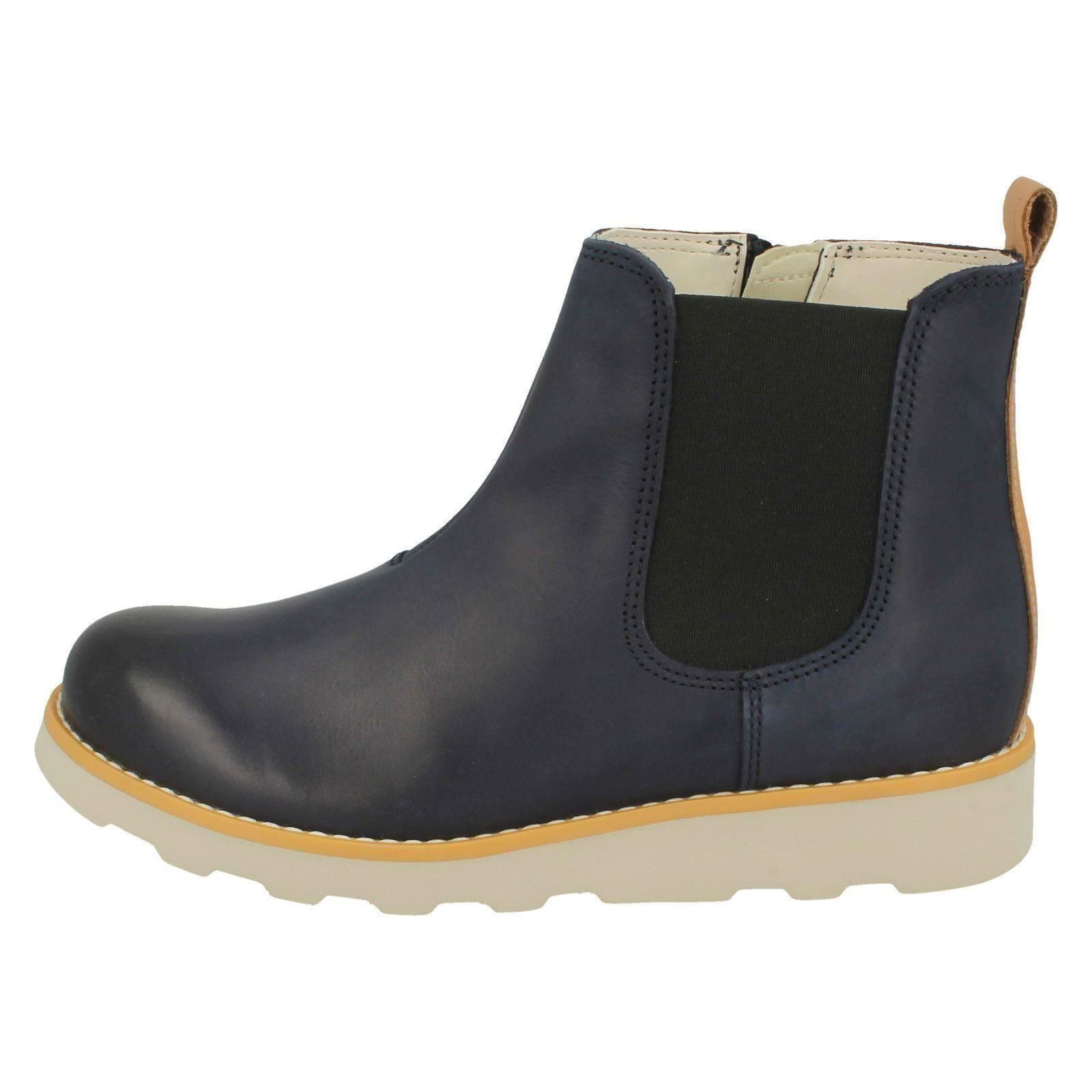 486fb3e0528fe Boys Clarks Gusset Detailed Ankle Boots 'Crown Halo'   eBay