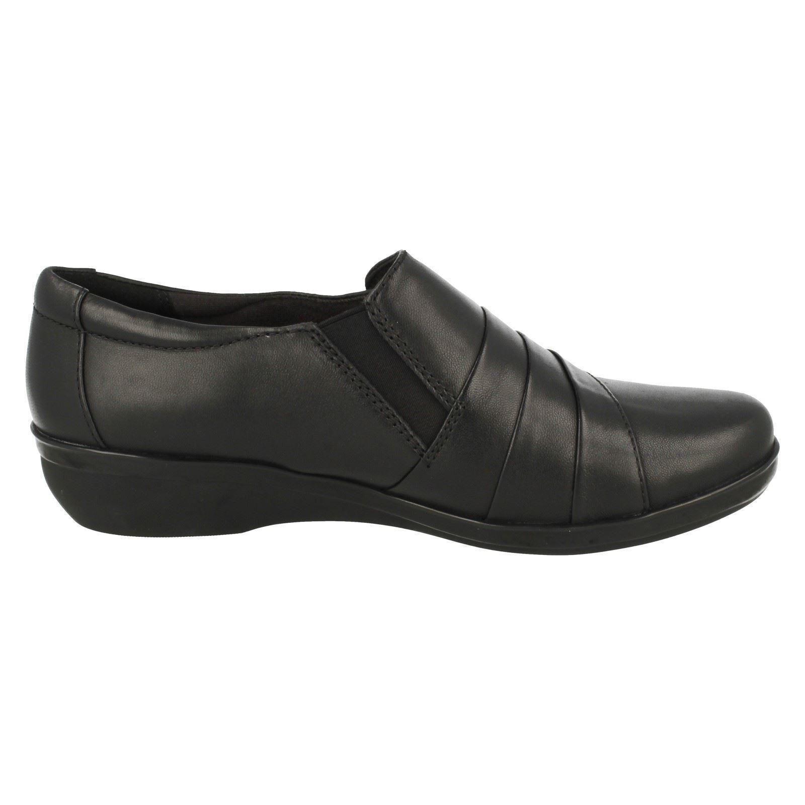 Cuña Baja Mujer Cuña Mujer Clarks Zapatos Baja Zapatos Clarks Formales Formales qUanE0w