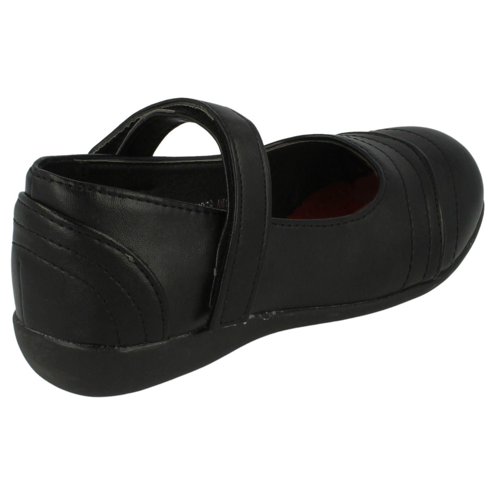 Nina-Spot-On-Plano-Zapatos-de-Colegio