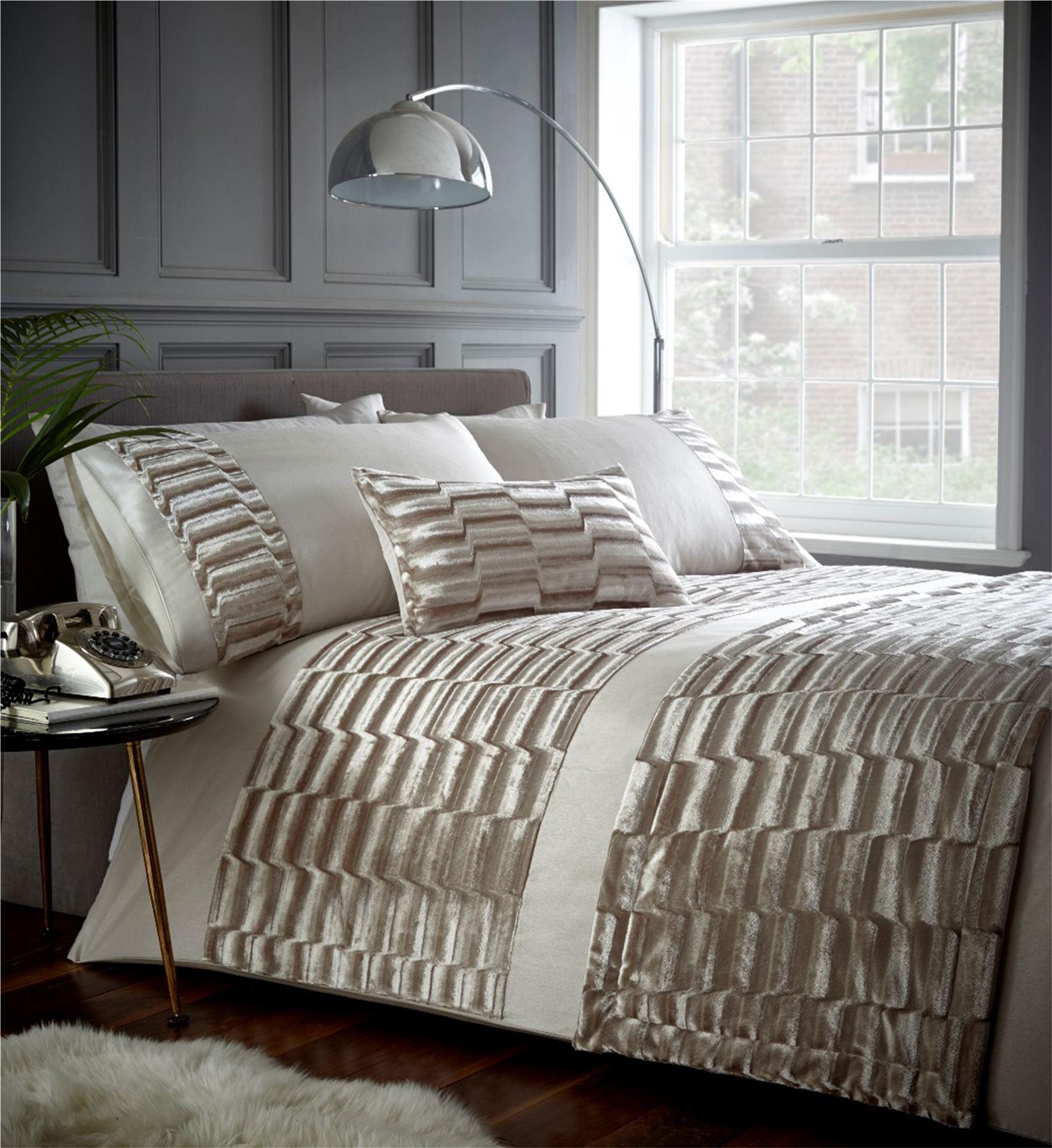 hu tre cr me velours housse de couette literie ensemble lit ou coussin ou tapis ebay. Black Bedroom Furniture Sets. Home Design Ideas