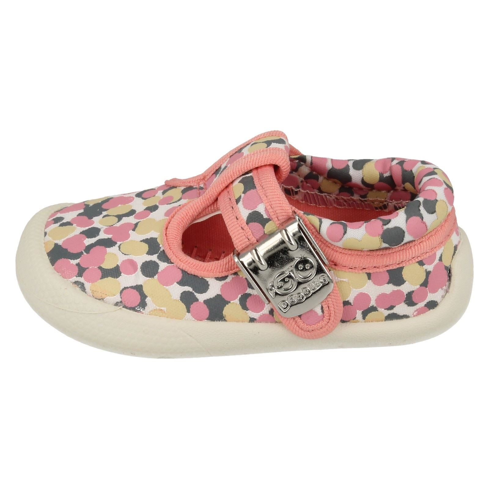 94f67c5b6a89 Girls Clarks Canvas Shoes Label Choc Cake Pink   Multi G 3. About this  product. Picture 1 of 10  Picture 2 of 10  Picture 3 of 10 ...