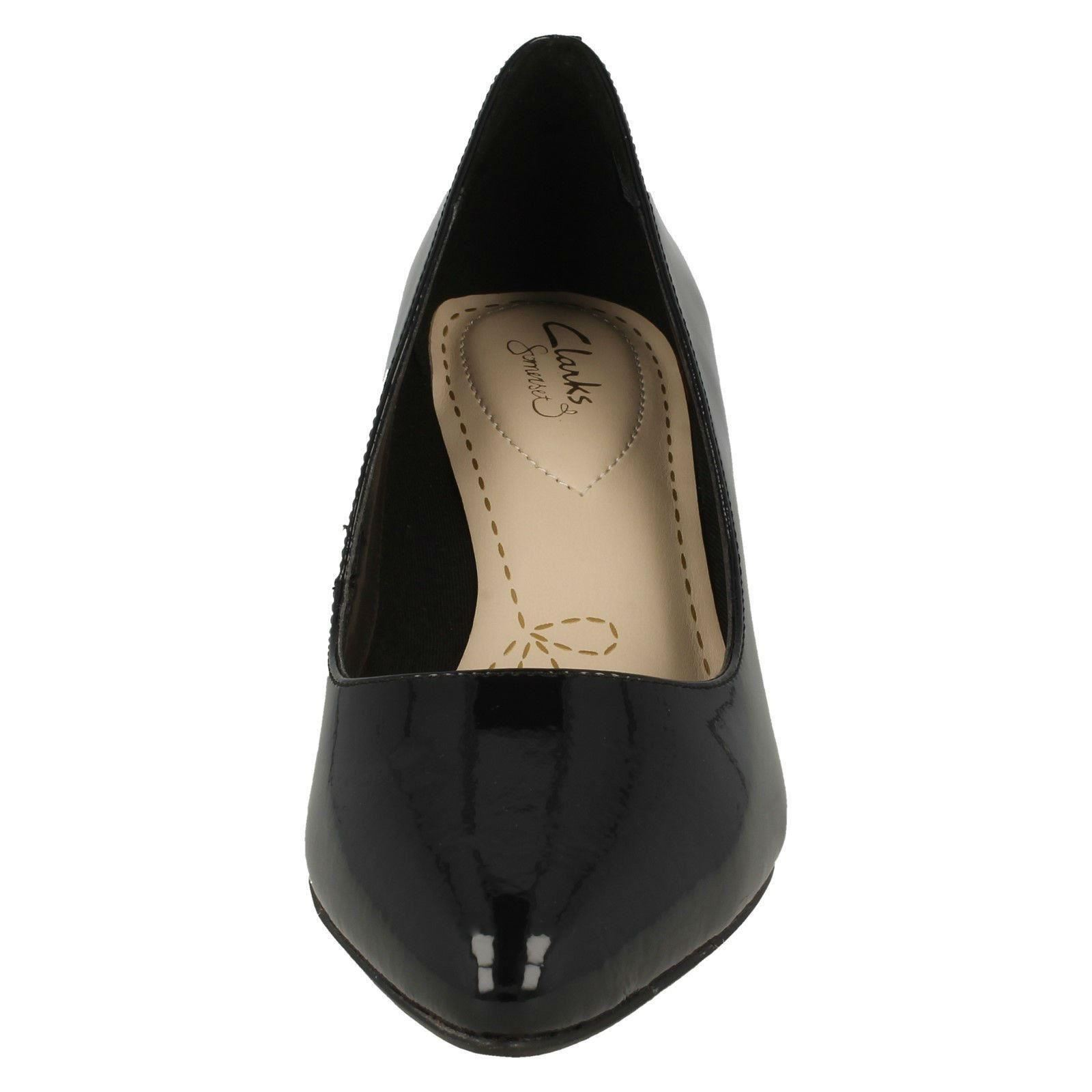 Clarks /'Isidora Faye/' Ladies Leather Upper Smart Casual Standard Fit Court Shoes