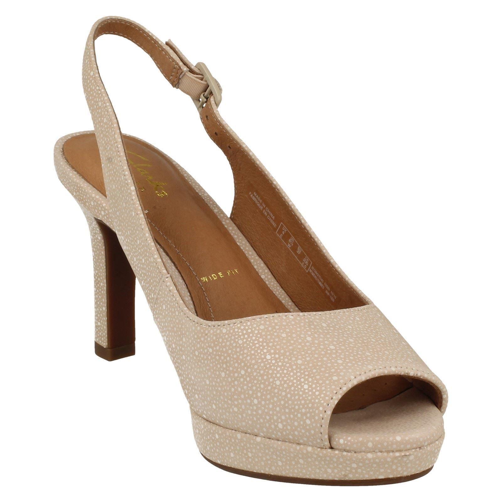 b9938f8ccbd8 Ladies-Clarks-Heeled-Sandals-034-Mayra-Blossom-034 thumbnail