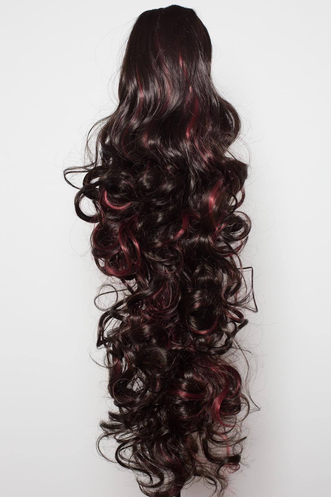 Pince-Queue-de-Cheval-Dans-Le-Morceau-De-Cheveux-Brun-Le-Plus-Sombre-Rouge