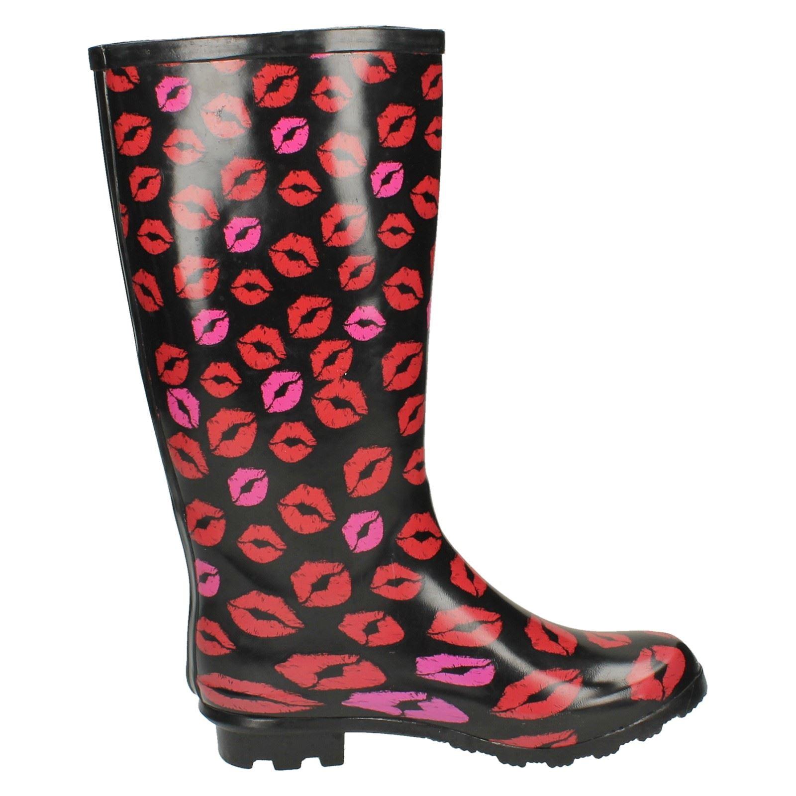 Ladies Spot On Printed Lips Wellington Boots