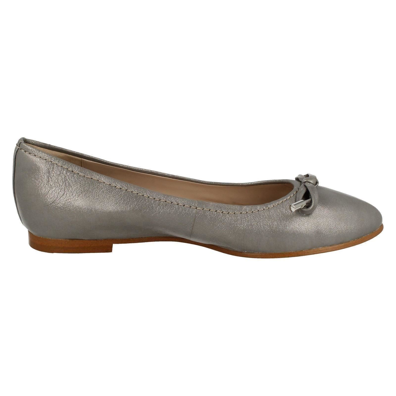 9bf8032fbb0c8 Ladies-Clarks-Grace-Lily-Flat-Dolly-Shoes thumbnail 34