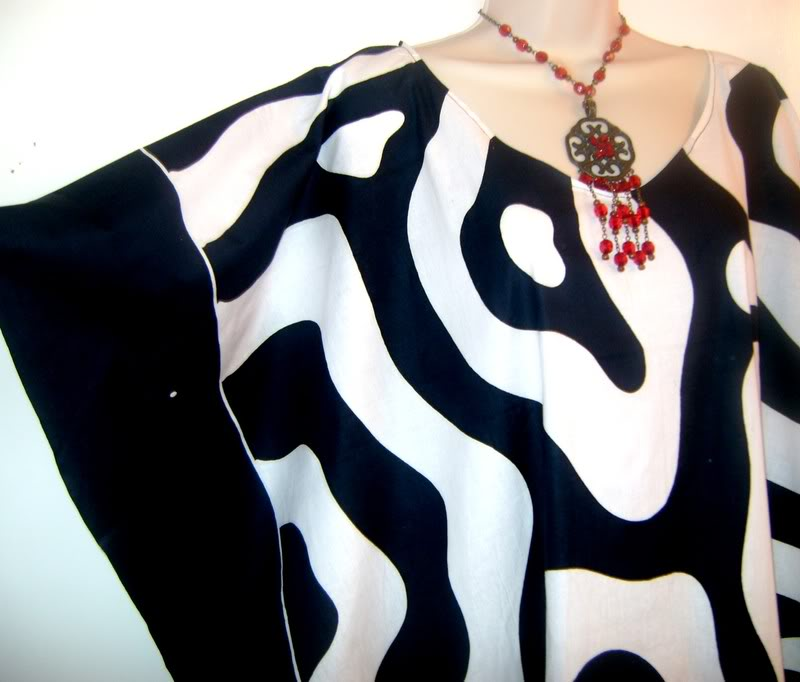NEW ZEBRA Soft Kaftan Caftan Black White Dress Plus One Size Cool Hand-drawn